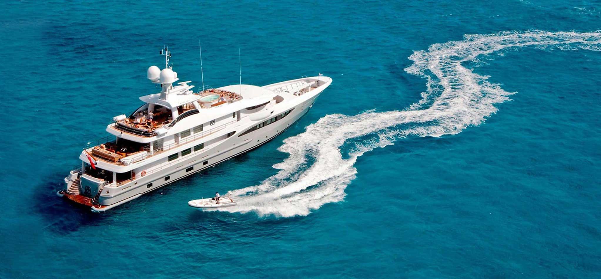 Adventure Boat Cruise Trip in Goa
