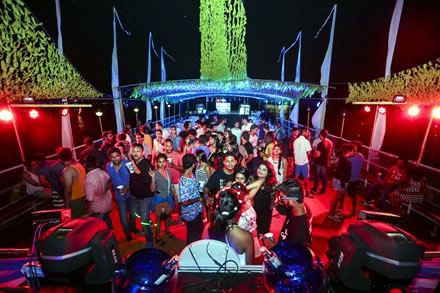 disco-night-boat-party-cruise