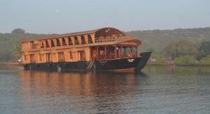 ATBP120-houseboat2